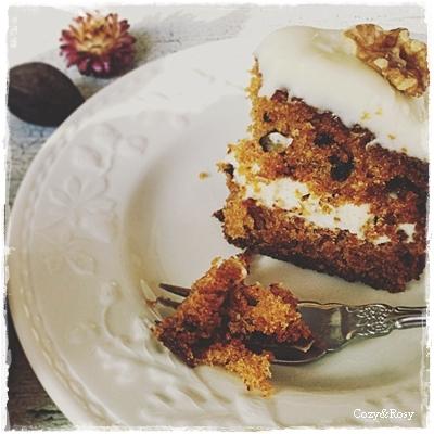 本日のティータイム キャロットケーキとチーズケーキ